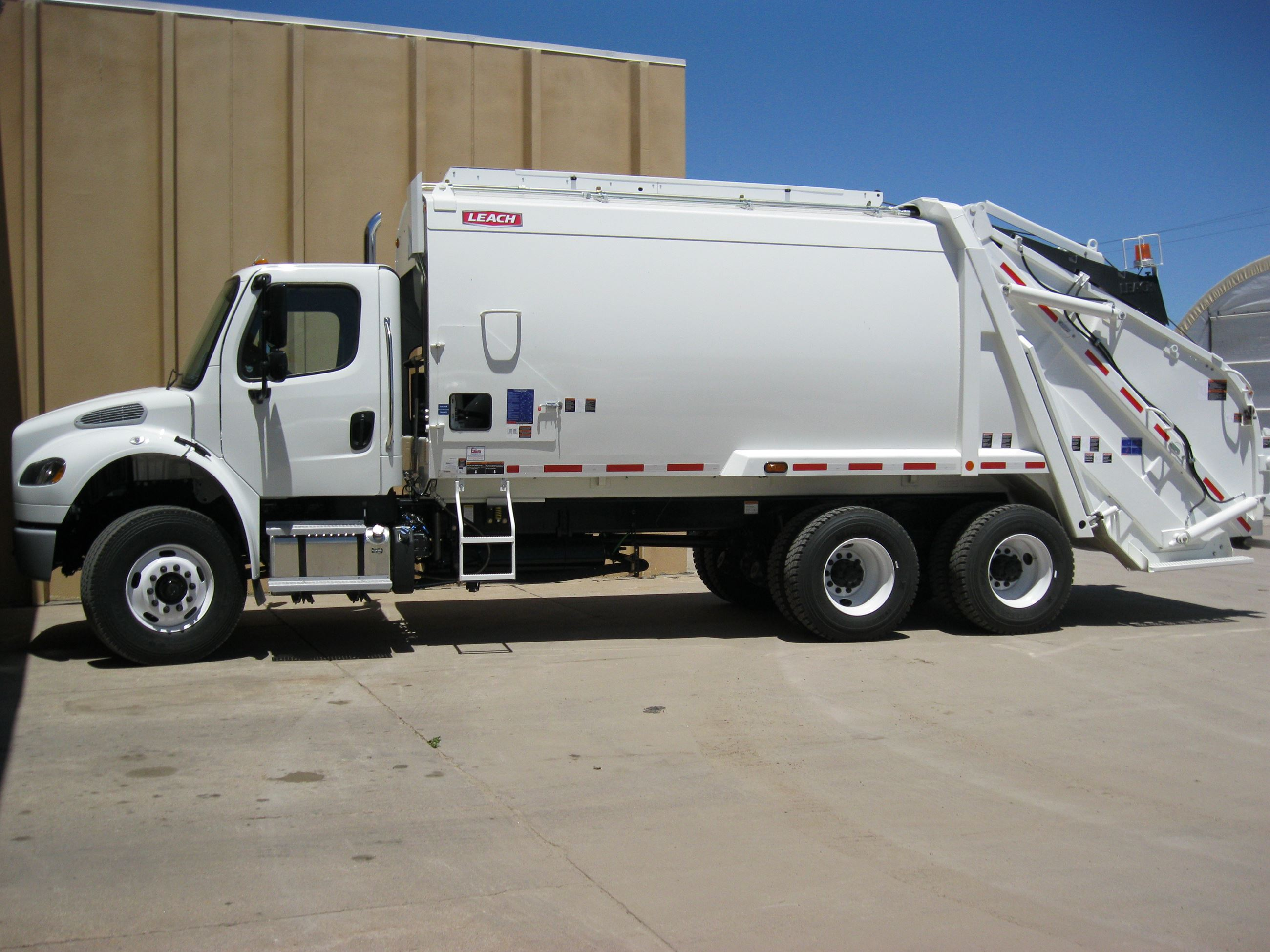 new rear load truck 2013