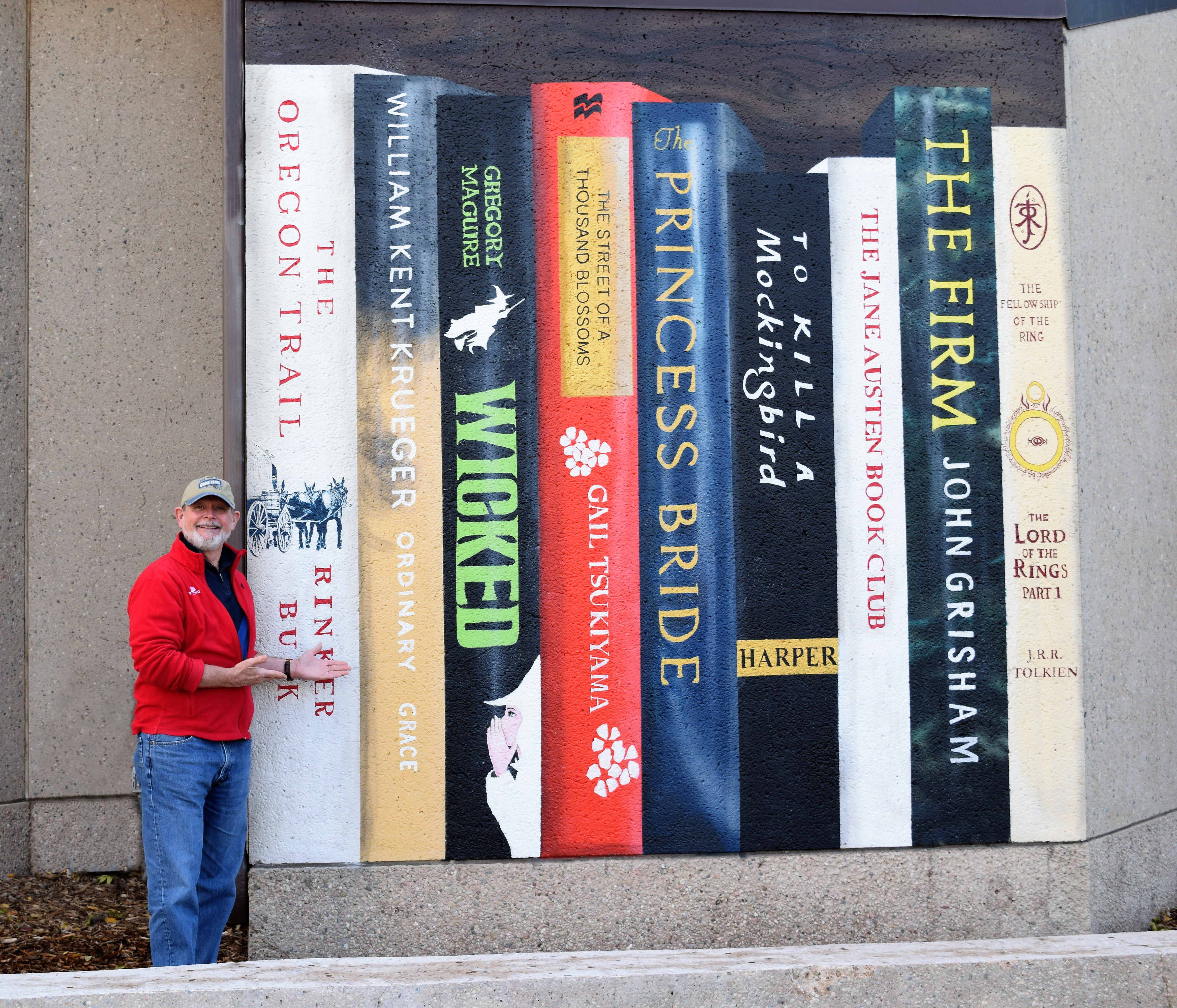 Kent Krueger with Book Mural